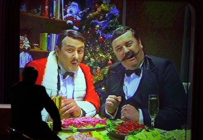 Агурбаш на Новый год споет в платье из колбасы, а Алеся - в костюме зебры - фото