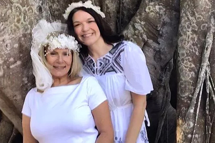 Свадьба женщины иогромного фикуса спасла растение отгибели
