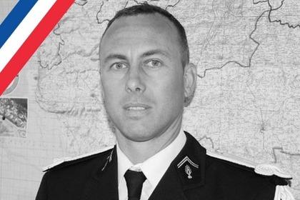 Умер обменявший себя назаложника французский полицейский