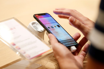 У экрана iPhone X нашли еще один дефект