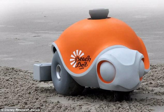 Черепаха «BeachBot» умеет рисовать на песке