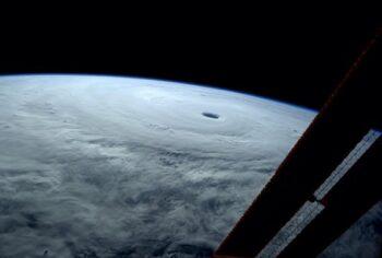 Тайфун Vongfong вид из космоса