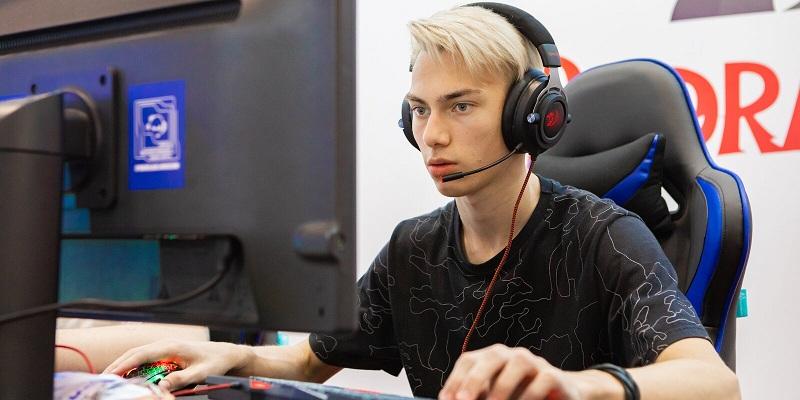Александр Добряков рассказал о старте регистрации московских школьников на Зимний турнир по киберспорту