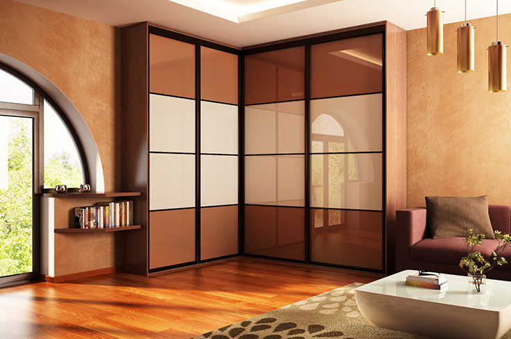 Преимущества установки углового шкафа-купе в спальню