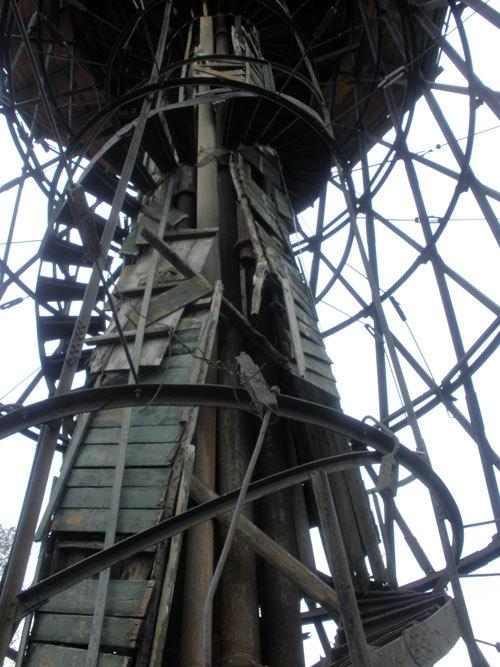 Шуховская башня: памятник культуры или притон для бомжей?