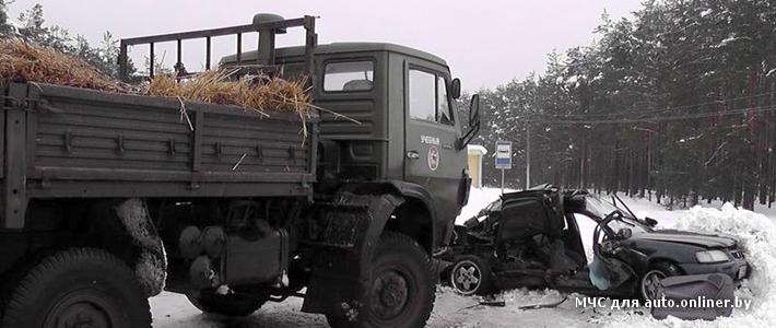 Под Светлогорском учебный КАМАЗ столкнулся с Honda — погиб пассажир легковушки