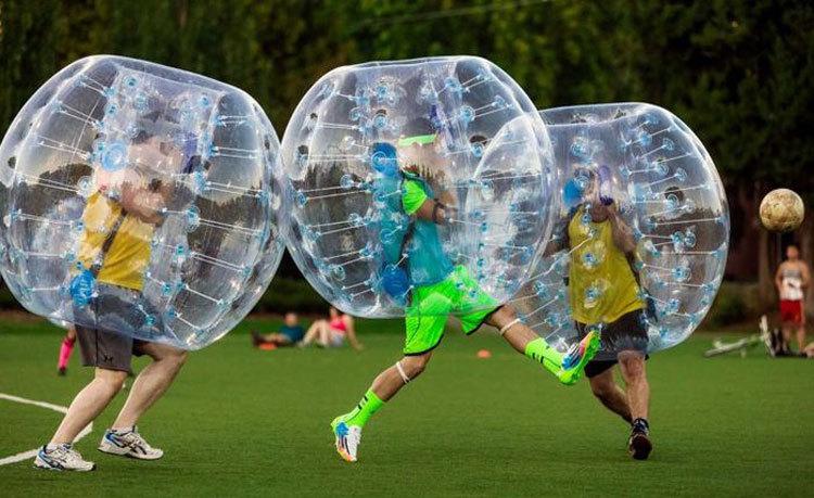 «Вильнюс Релакс Тур» поможет организовать для вас зорб-футбол