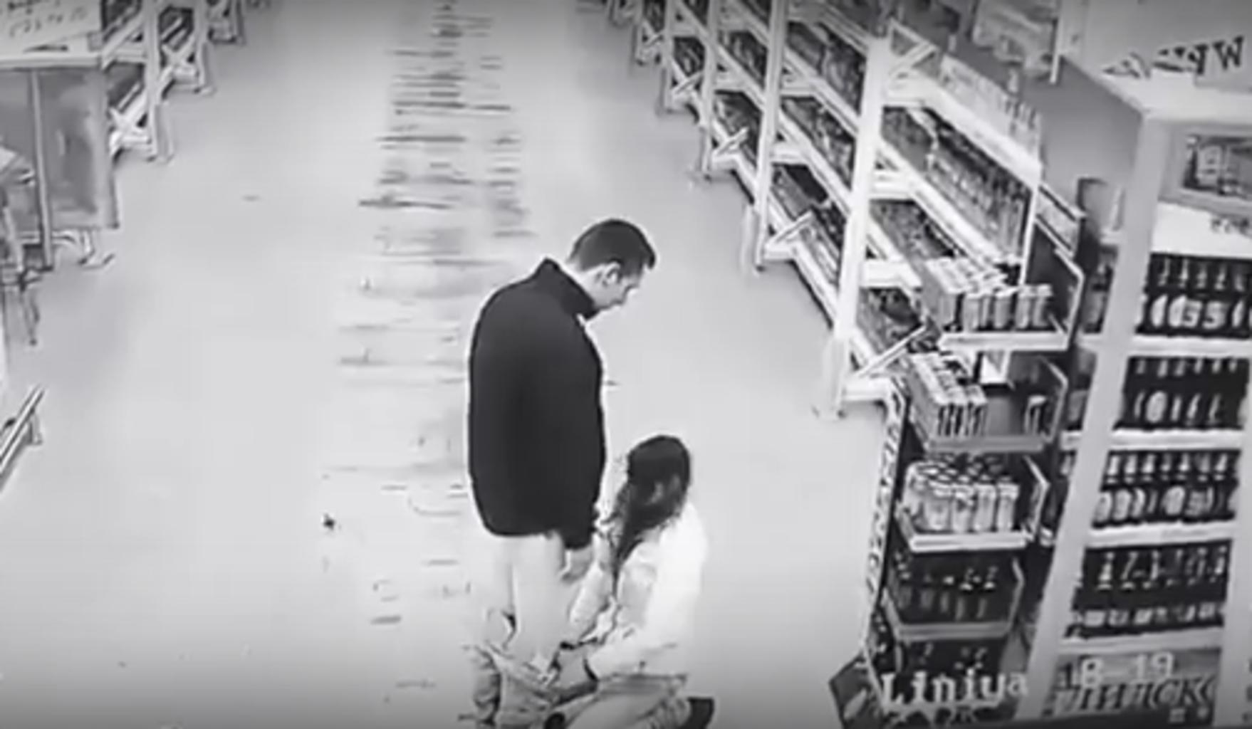 Пъяный секс на улице под видеонаблюдения