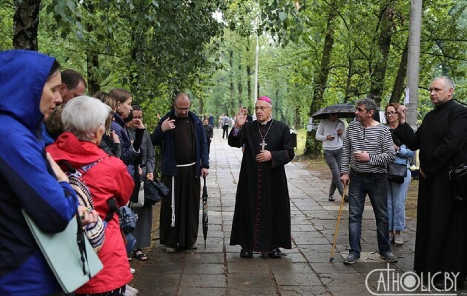 Главу католиков Беларуси не пустили в СИЗО к задержанным во время протестов