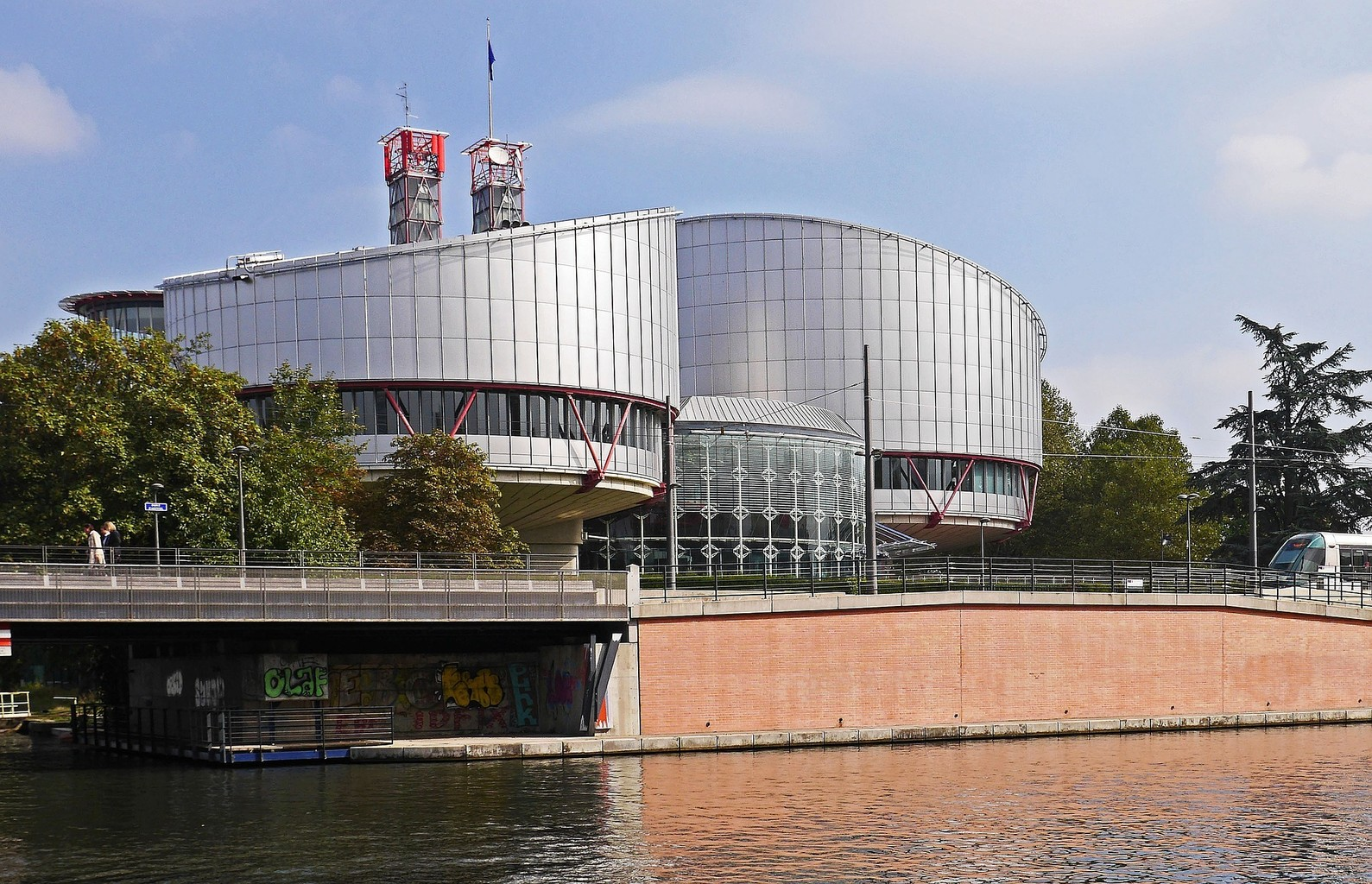 «TⱭLKом о ПРАВЕ». Может ли простой белорус обратиться в Европейский суд по правам человека