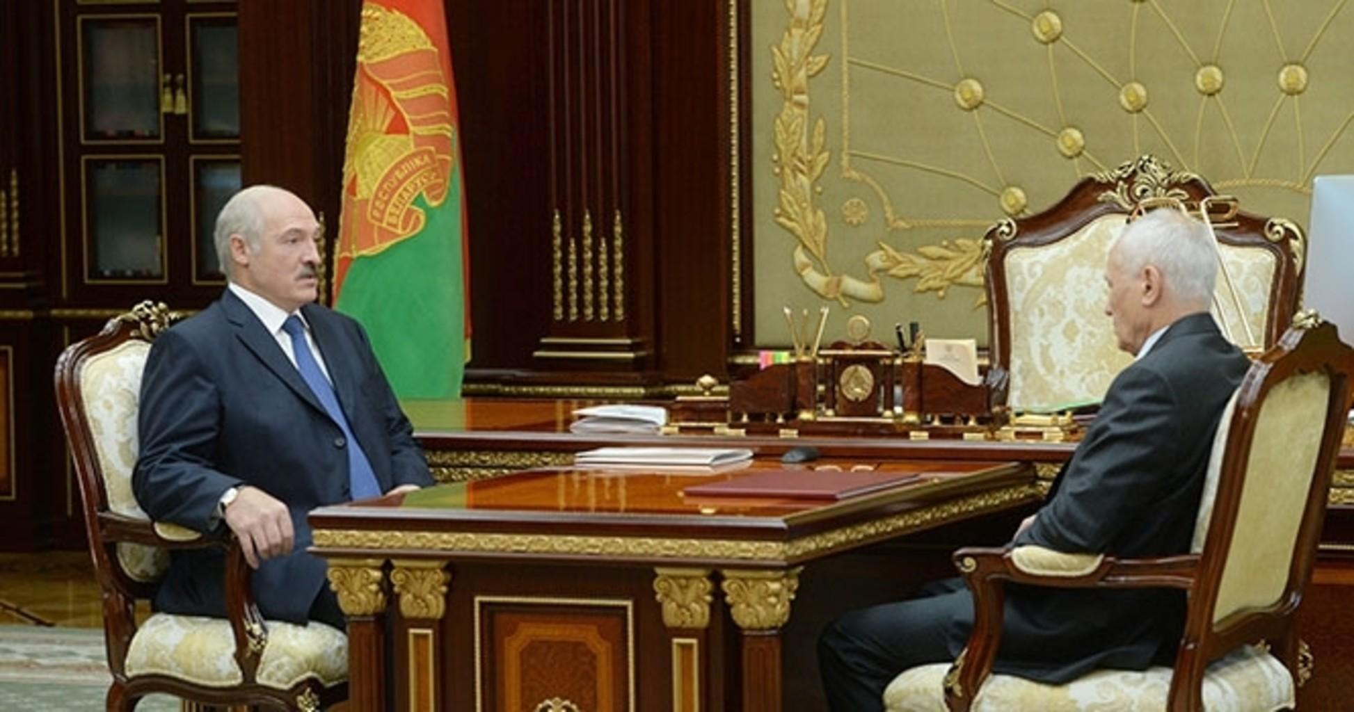 Александр Лукашенко и Григорий Рапота. 20 сентября 2016 года. Фото: пресс-служба президента Беларуси