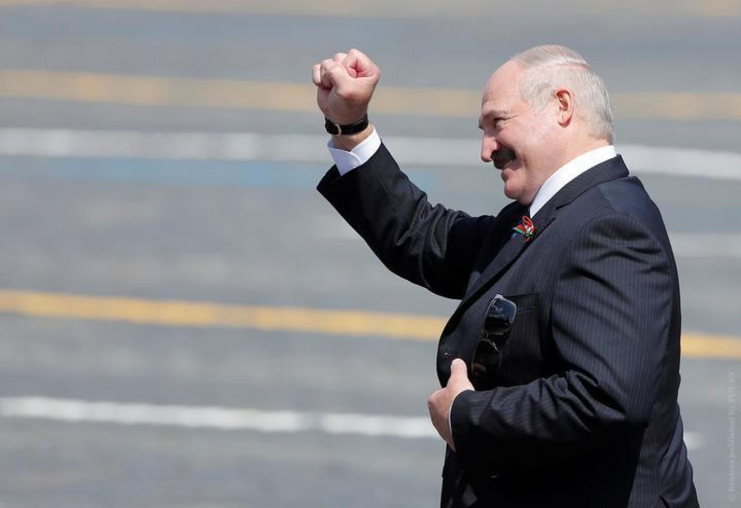 Лукашенко пообещал «дать по морде» Польше