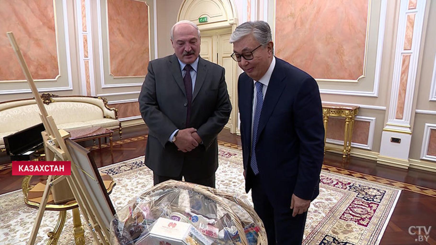 Lukashenko podarki1