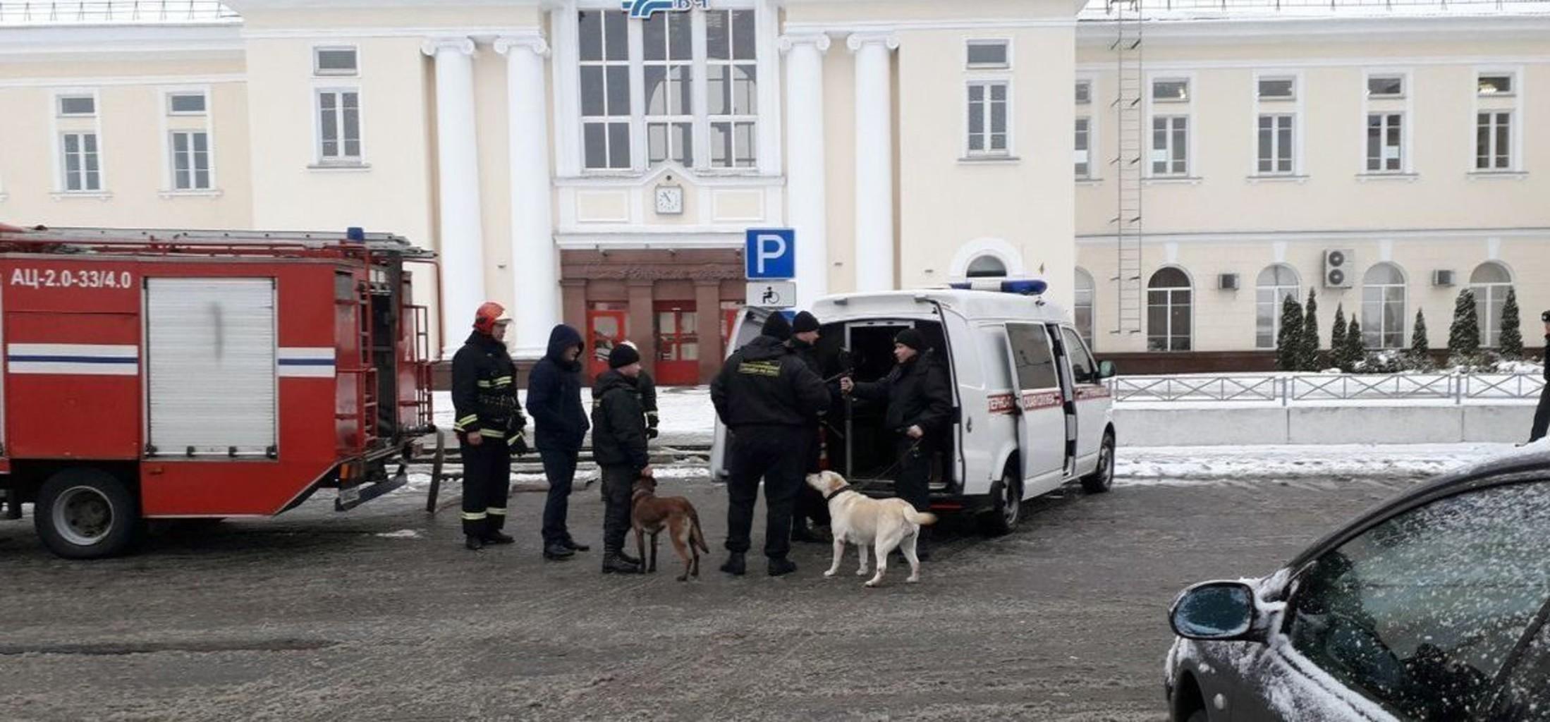 В Барановичах пассажиров эвакуировали из здания вокзала в связи с сообщением о минировании