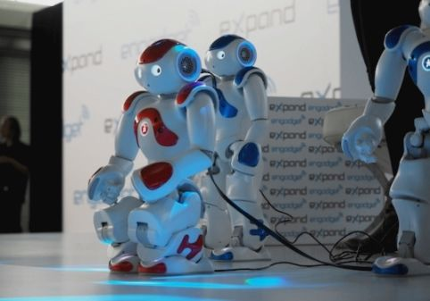 Очаровательные роботы которые умеют танцевать не хуже вас