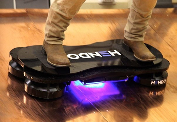 Летающий скейт Hoverboard стоит $10 000 (видео)