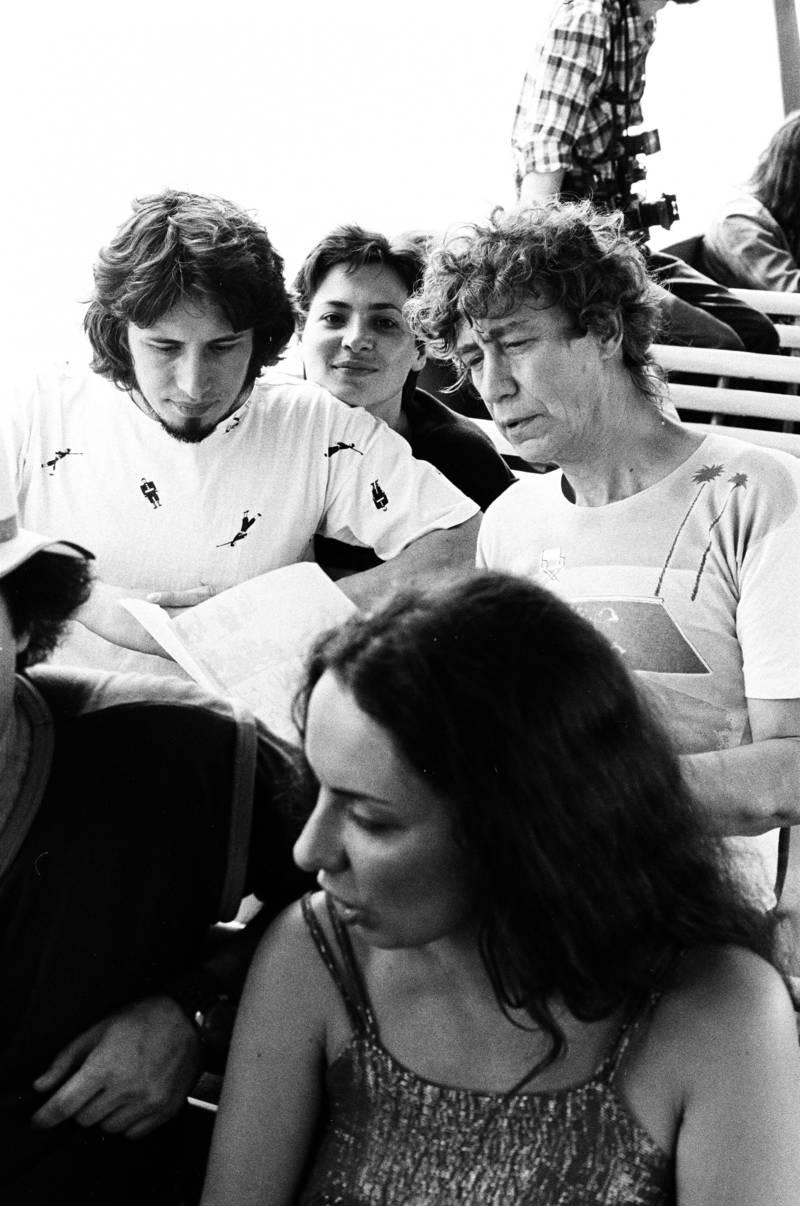Владимир Сорокин, Ирина Сорокина, Иван Чуйков, Елена Курляндцева на прогулке по реке Москве, организованной Клубом авангардистов