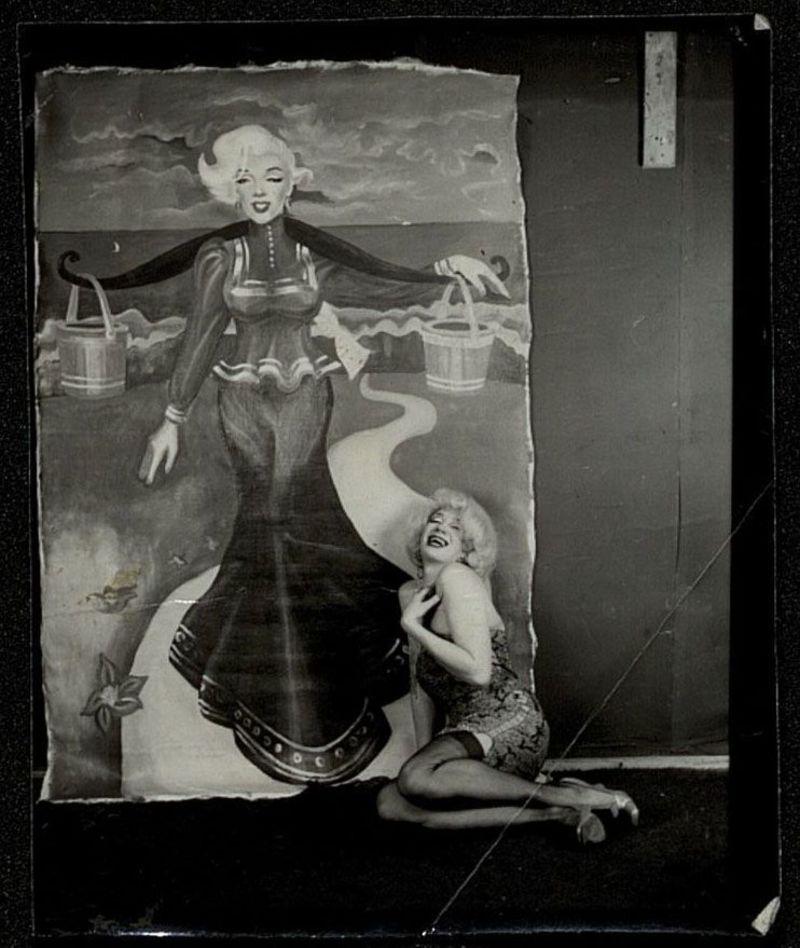 Владислав Мамышев-Монро в образе Мэрилин Монро в мастерской Сергея Борисова