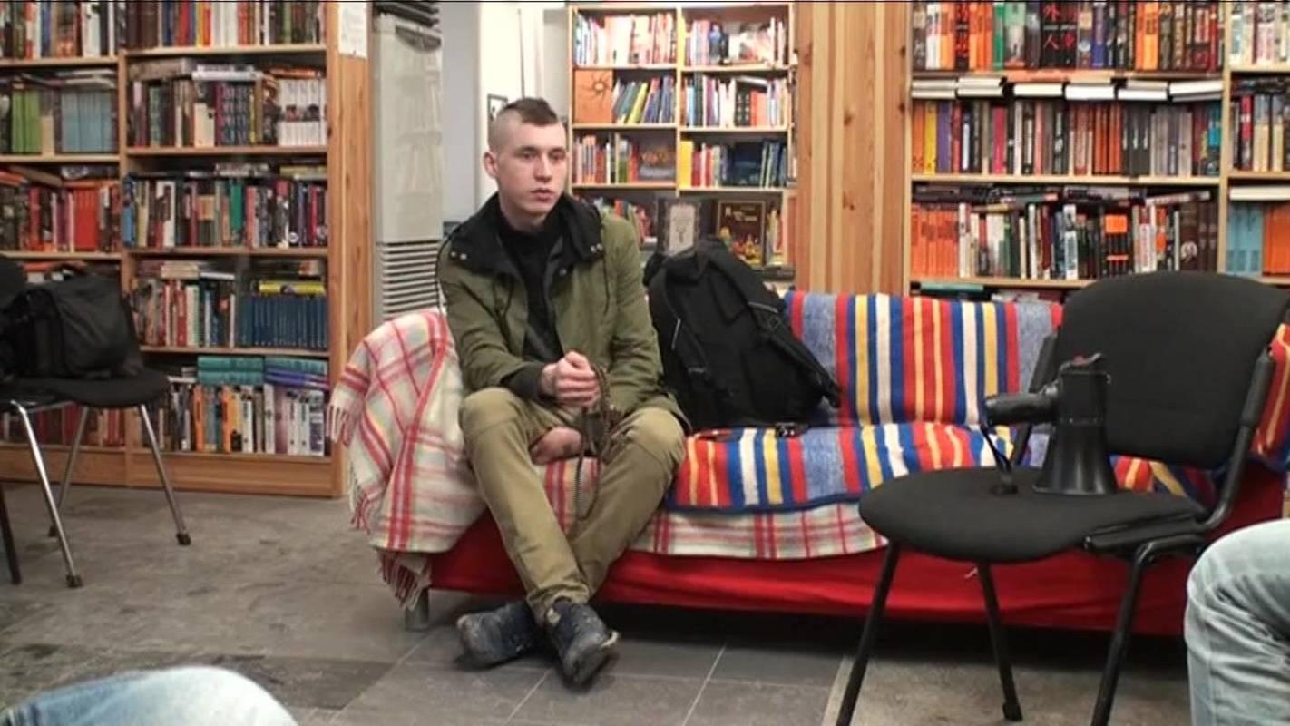 Встреча в книжном магазине Циолковский после шествия «За честные выборы»