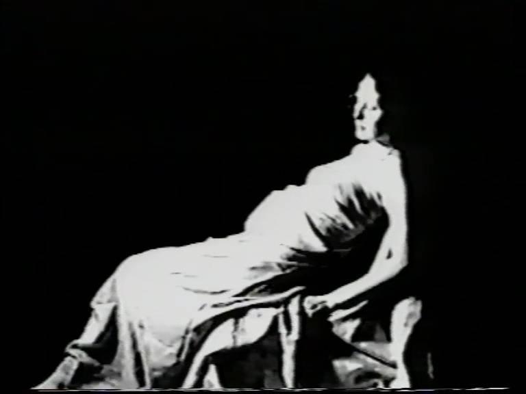 Айдан Салахова. Саспенс (исходное видео для видеоработы)