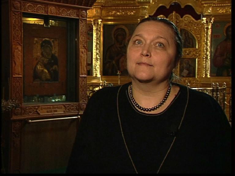 Екатерина Селезнёва в церкви