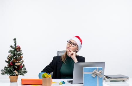 Стоит ли менять работу перед новогодними праздниками?