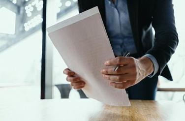 Какие документы нужны для переоформления лицензии на производство маркшейдерских работ?