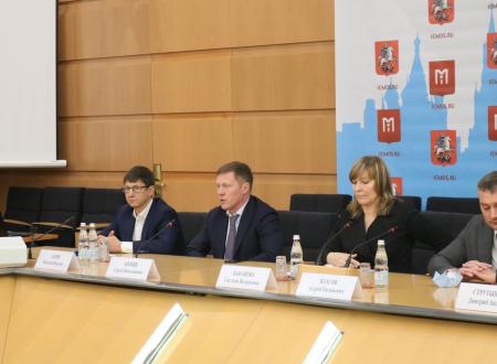 Пресс-конференция по поводу создания РЦПФ с участием президента МФФ Сергея Анохина