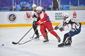 Суперфинал в Перми (возрастные категории 2010/11, 2009/08, 2006/07 г.р.) Открытие  (фото В. Горшкова)
