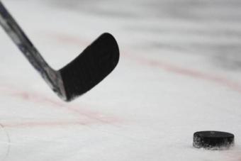 В столичном парке им. Святослава Федорова завершили реконструкцию хоккейного поля