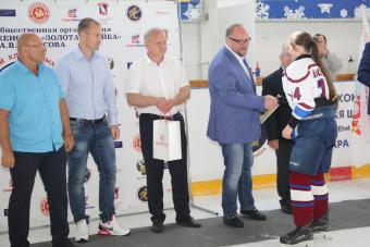 В Волгограде и Волжском пройдут матчи турнира «Золотая шайба»