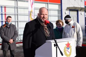 У Ледового катка ЦСКА высадили ели в честь выдающихся армейцев-ветеранов Великой Отечественной войны