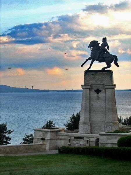 Памятник В.Н. Татищеву