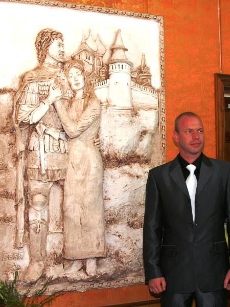 Александр Бочкарев и его барельеф