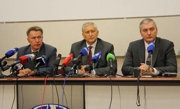 Участники пресс-конференции наАВТОВАЗе