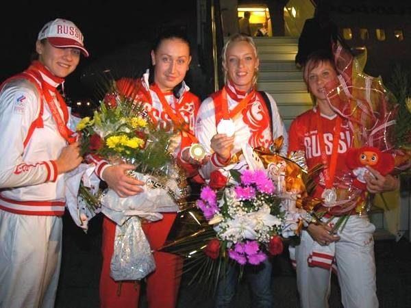Серебряные медали привезли из Китая (слева - направо) Ирина Близнова, Людмила Постнова, Мария Сидорова и Екатерина Маренникова