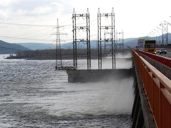 Водосливная плотина Жигулевской ГЭС