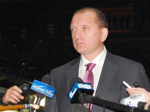Губернатор Владимир Артяков напресс-конференции наАВТОВАЗе