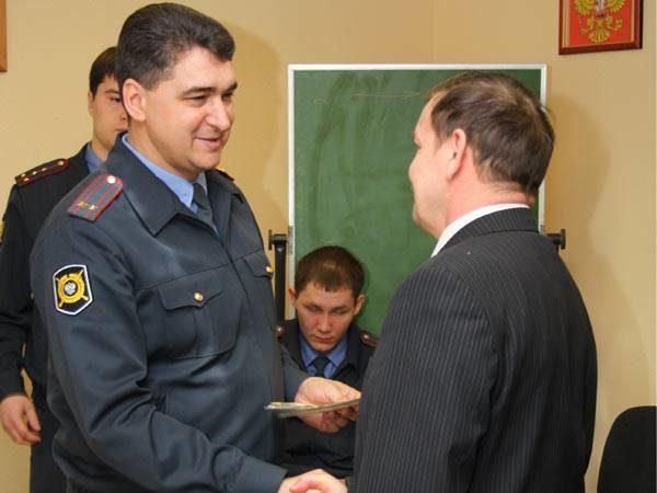 Представителей лучших ЧОПов поздравлял начальник тольяттинской милиции общественной безопасности Алексантр Кулешевич