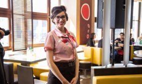 В рамках Дня Матери компании «Макдоналдс» вручили первую в РФ премию «Женщина имеет значение»