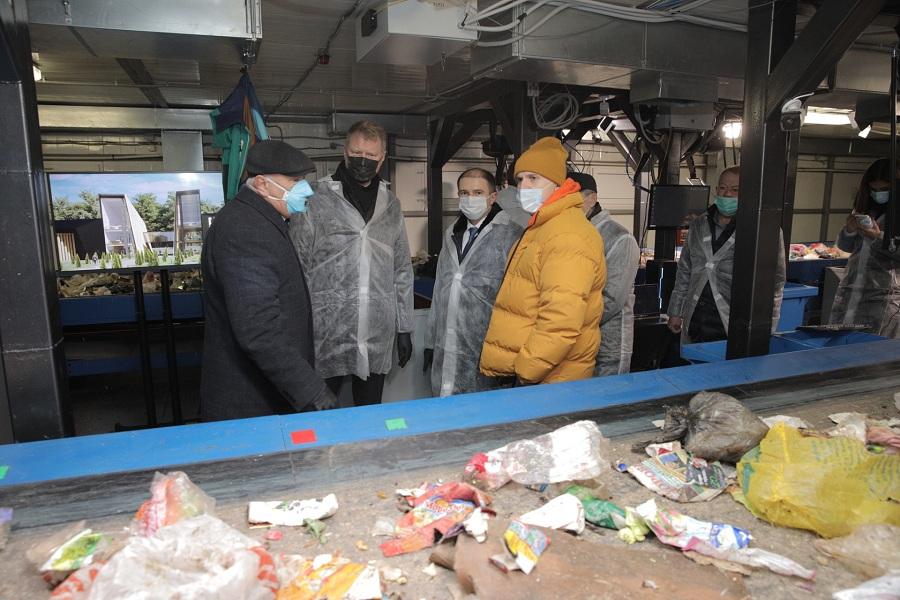 Михаил Романов посетил новый мусорообрабатывающий комплекс во Фрунзенском районе