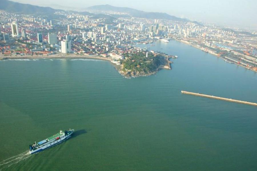 Яньтай наращивает усилия по экологической защите и оздоровлению морской среды