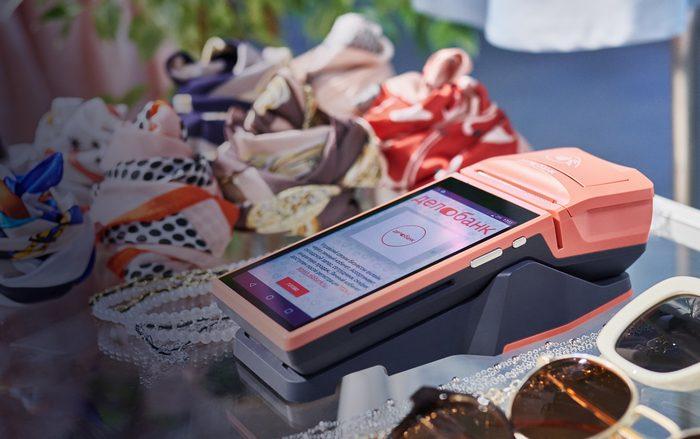 Делобанк зачислит платежи по картам в течение 30 минут