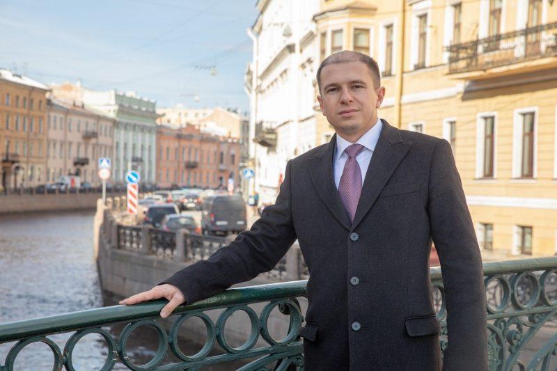 Михаил Романов поздравил с профессиональным праздником петербургских работников социальной сферы