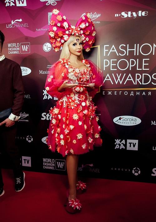 Русской Барби Тане Тузовой присудили престижную премию Fashion People Awards 2021
