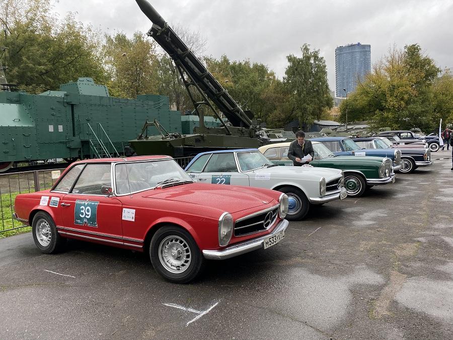 Финальные заезды ралли на ретроавтомобилях Кубка РАФ и Кубка Гран Тур состоялись в Москве